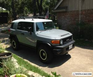 2013 Toyota FJ Cruiser White top grey body for Sale